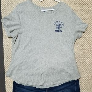 Old Navy Everywear Crew Neck Graphic Tee EUC!